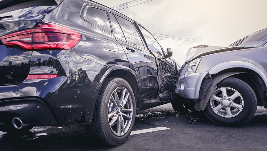How to Handle your Car Accident Claim without Paying Exorbitant Fee of the Lawyer