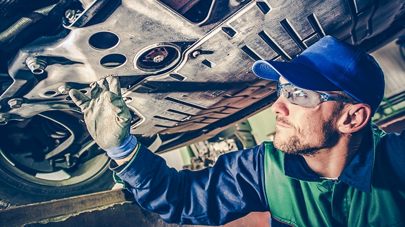 Some of these risks auto mechanics face every day could be deadly