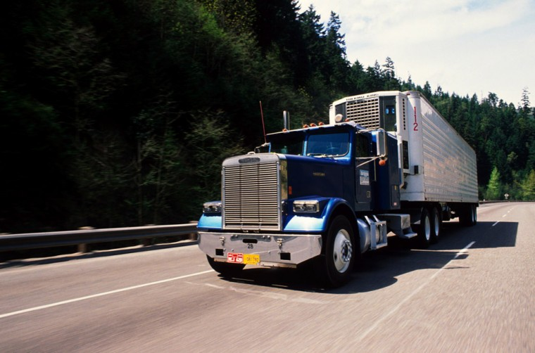 Important Considerations Before Becoming a Commercial Truck Driver