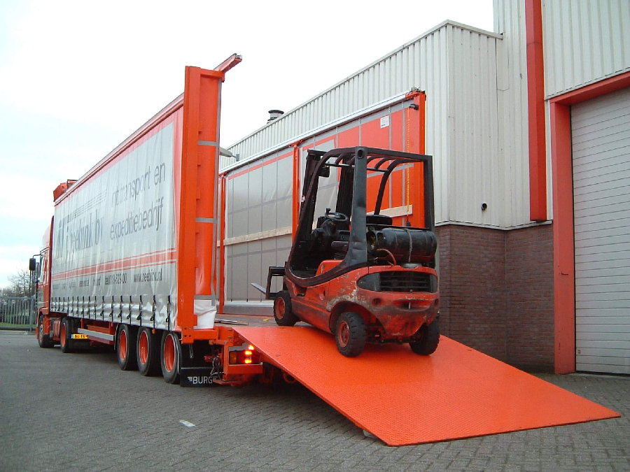 Making Things Possible to Transport using Heavy Duty Forklift Carrier